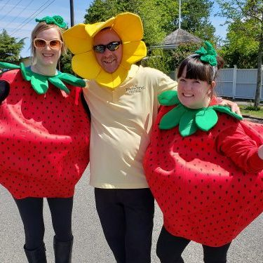 Marysville strawberry festival volunteers